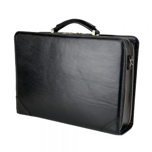 čierny pracovný kufor